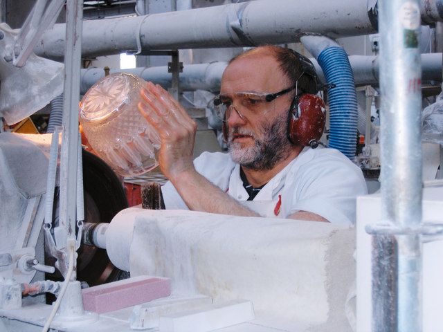 Waterford Crystal factory - Glass engraver