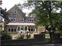 SE1421 : House, Rastrick Common, Rastrick by Humphrey Bolton