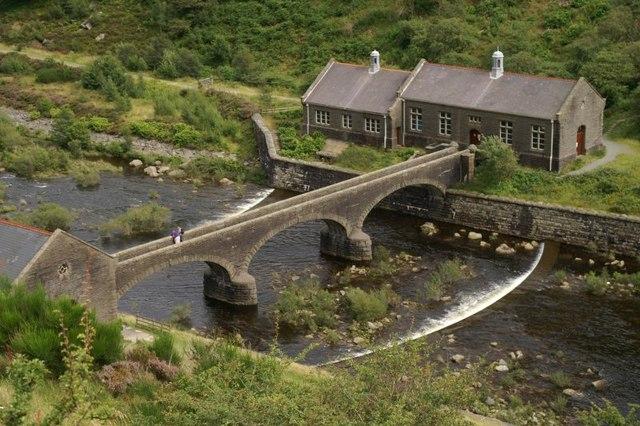 Footbridge over the Afon Elan below Caban Coch dam