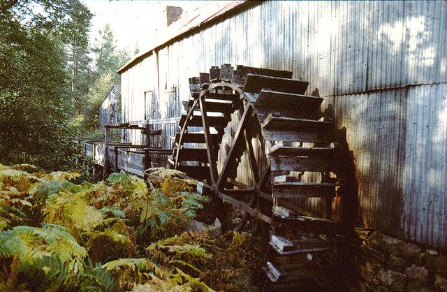 Bucket mill waterwheel