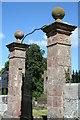 SJ4550 : Pirate Pillars? by Geoff Evans