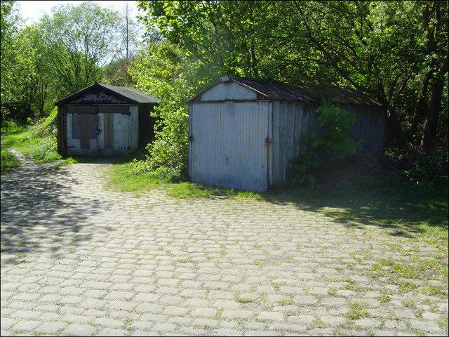 Old garages:Summer