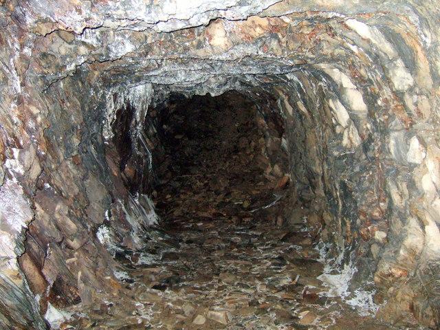 Rosebush quarry, exploring the adits: 3