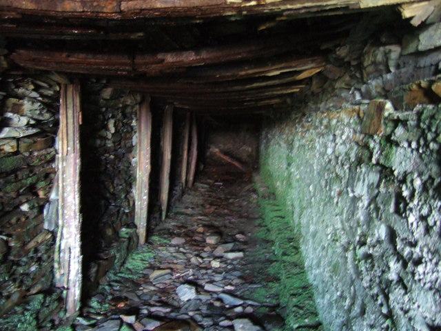 Rosebush quarry, exploring the adits: 9