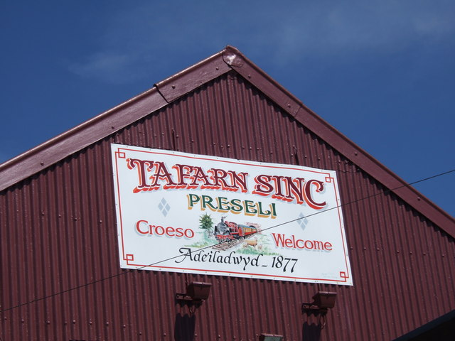Tafarn Sinc signboard