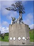 NZ4057 : Crane Sculpture by River Wear by rob bishop