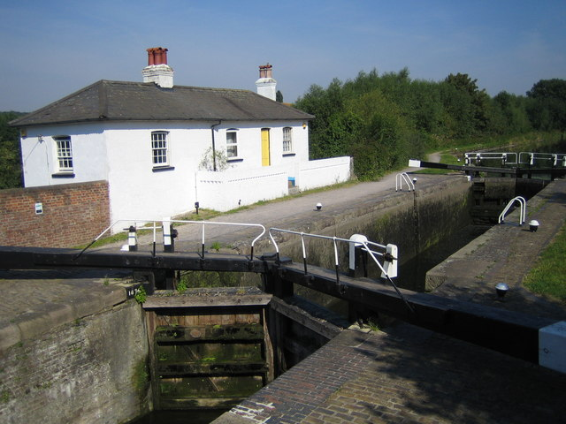 Grand Union Canal: Widewater Lock in South Harefield