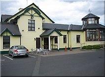 O2342 : Golf Links Inn Portmarnock by Harold Strong