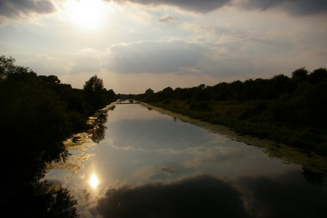 Late afternoon sun over the Great Ouse Cutoff Channel