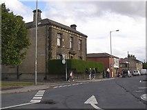 SE1527 : Huddersfield Road, Wyke by Humphrey Bolton