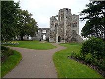 SK7954 : Newark on Trent - Castle View From Gardens by Alan Heardman