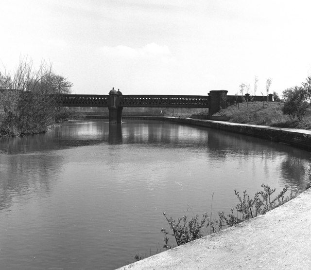 Oxford gasworks railway bridge, River Thames