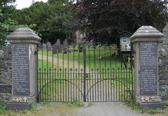 Entrance gates to Eglwys St. Fair