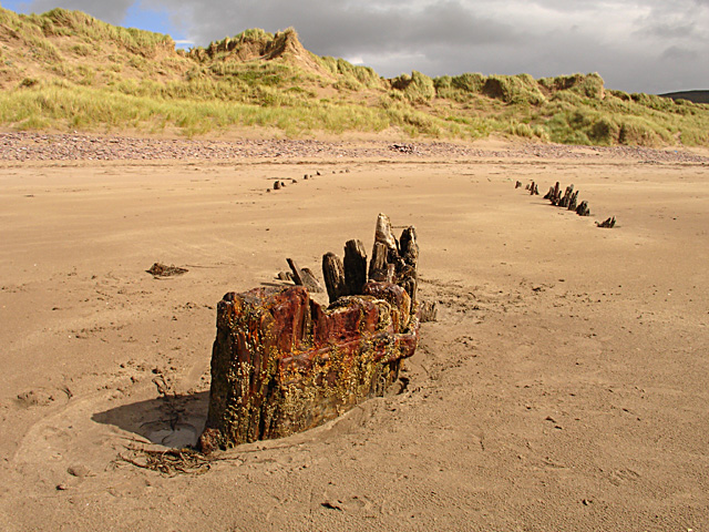 Remains of a boat on Rossbeigh Beach