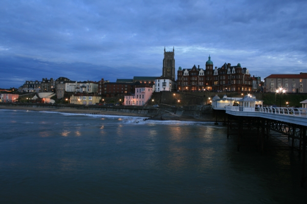 Cromer from the pier © Katy Walters cc-by-sa/2 0 :: Geograph