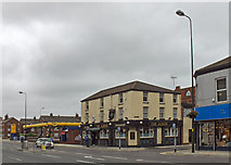 TA2710 : The Albion, 178-180 Cleethorpe Road, Grimsby by David Wright