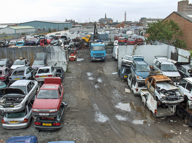 Car Breakers Yard Railway Street 169 David Wright Cc By