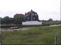 TM2222 : Quay House, Kirby-le-Soken by M J Richardson