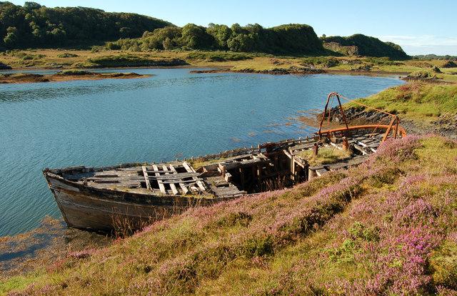 Final berth, Eilean Buidhe, Puilladobhrain by Donald MacDonald
