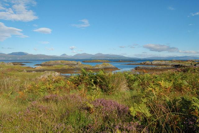 Eilean Buidhe, Puilladobhrain by Donald MacDonald
