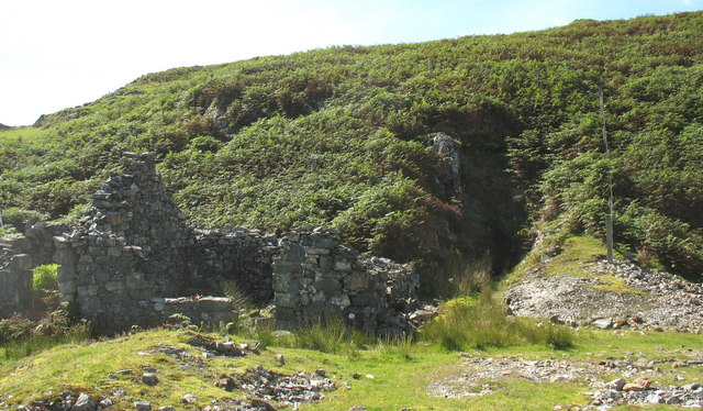 The main adit and a ruined building viewed from the spoil tip