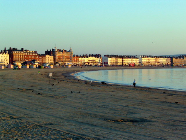 Early morning on Weymouth beach
