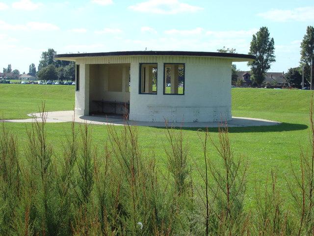 Shelter next to Dovercourt Beach
