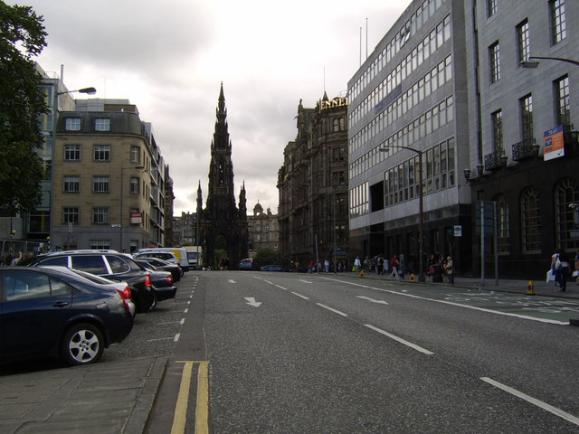 St Andrew Square, West Side