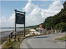 TA0225 : The Country Park Inn, Hessle by David Wright