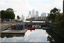 TQ3580 : 'New' entrance to Shadwell Basin by Dr Neil Clifton