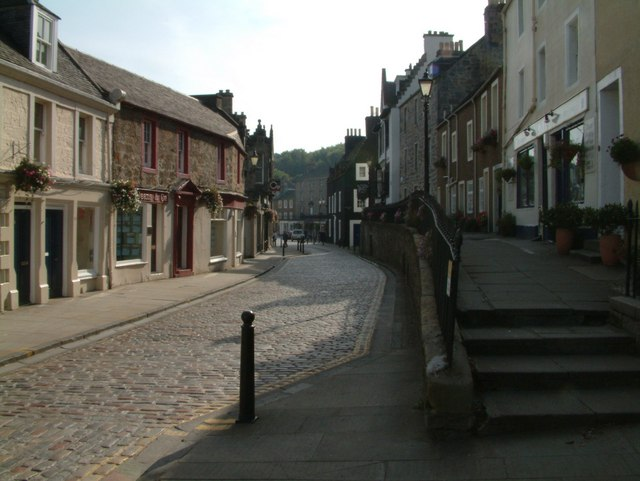 A cobbled road in South Queensferry