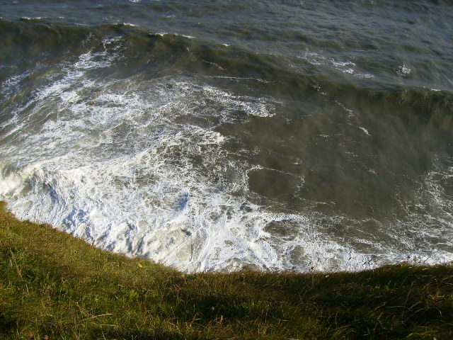 The shoreline under North Cliff