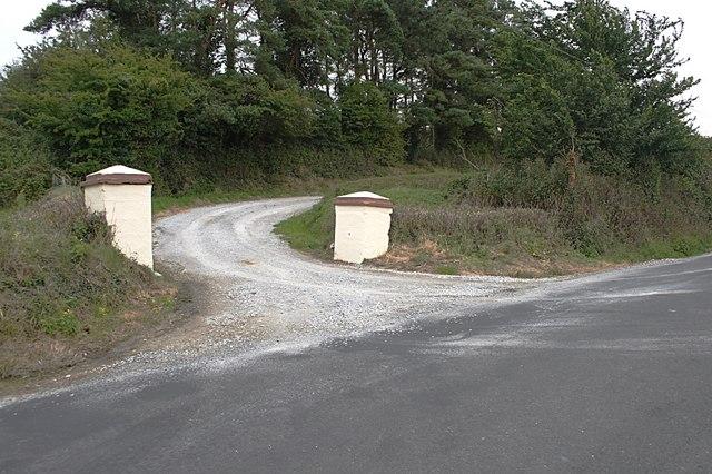 Avenue entrance