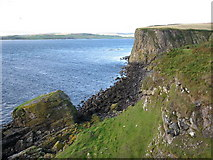 NR7104 : Westernly point of Sanda Island by Kim Ross