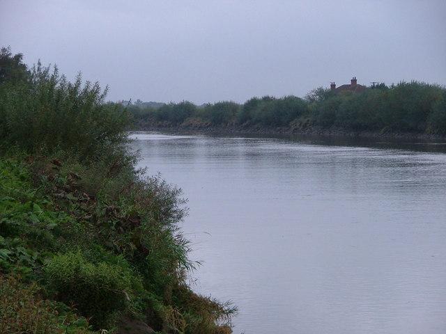 Trent  Aegir at Owston Ferry