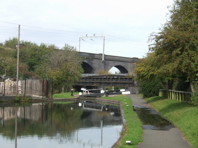 Lock 11 and GWR bridge