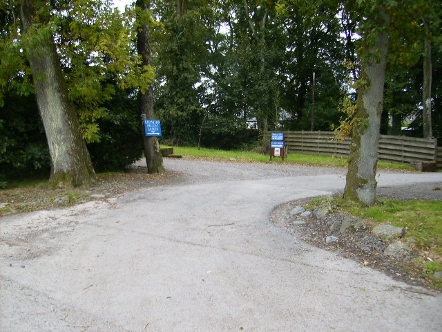 Driveway entrance to Cairnyard Holiday Lodges