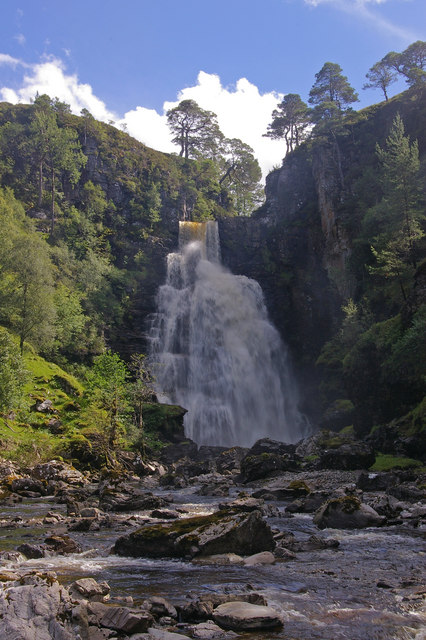 Eas an t-Sinidh (Smoky Falls) on River Douchary