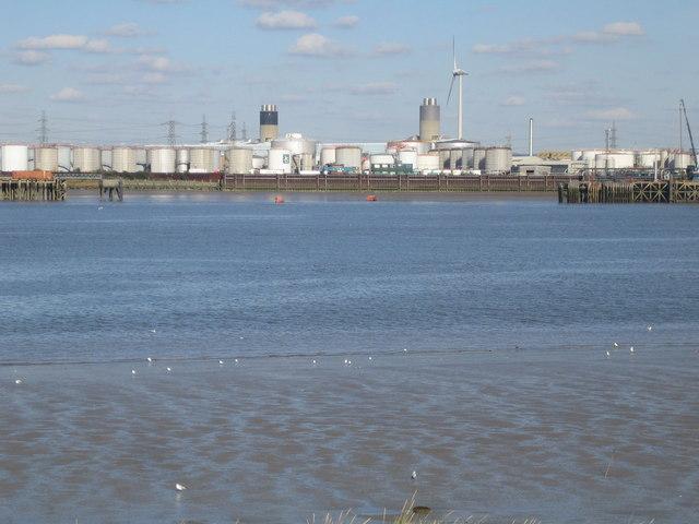 River Thames: Dagenham Docks