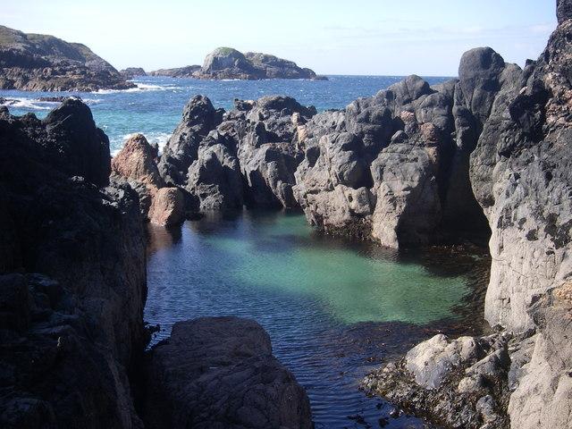 Rock pool - Ru' an Eisg Mhoir