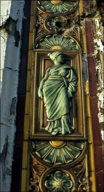"Tile on the ""Elbow"", Belfast"