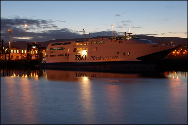 """The """"Express"""" at twilight, Belfast"""