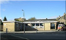 SE1127 : Northowram Library - St Matthew's Drive by Betty Longbottom