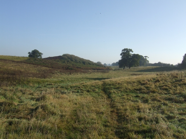 Footpath to Pollymoor Farm