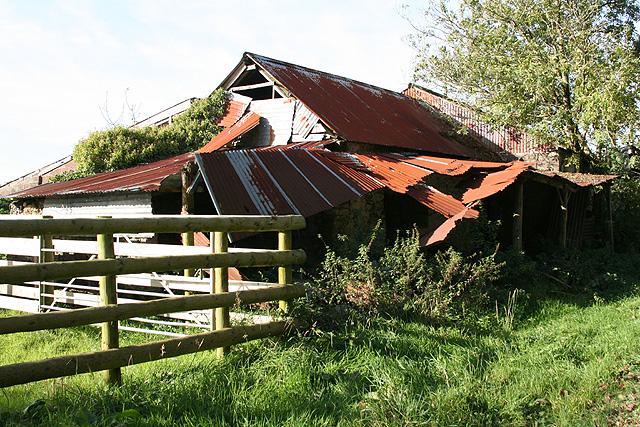 Bulkworthy: dilapilated barn