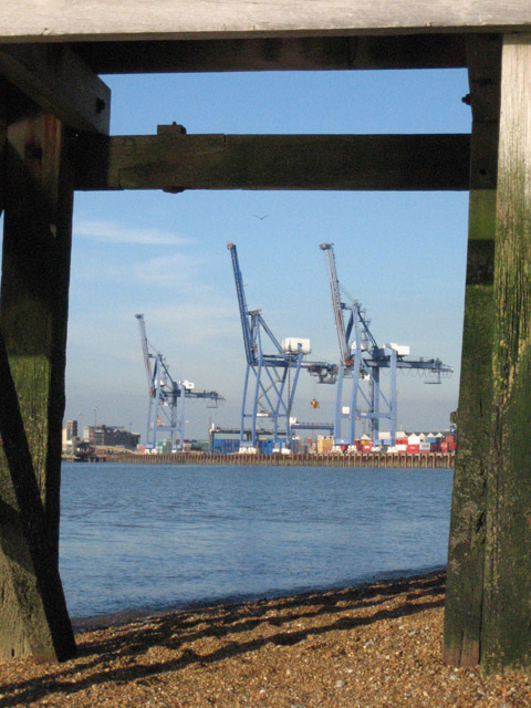 Old jetty, new cranes
