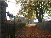 O0974 : Entrance to St. Mary's churchyard, Drogheda by Kieran Campbell