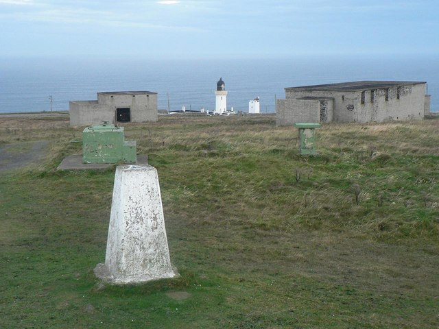 Dunnet Head: trig point, wartime ruins, lighthouse