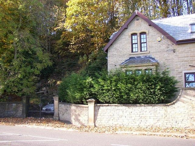 Ellwood Lodge, Bradford Road, Brighouse