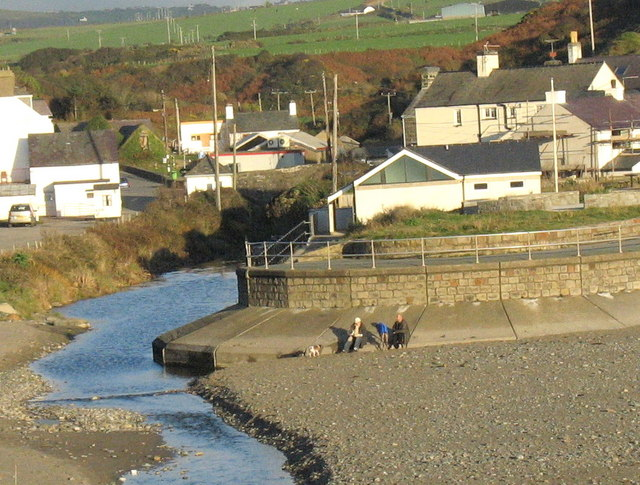 A pleasant way of spending a November afternoon at Aberdaron